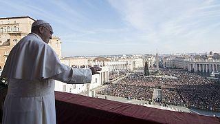 François prêche pour la paix dans le monde
