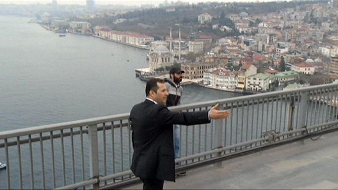 Erdogan dissuades Bosphorus Bridge jumper
