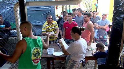 Tausende Kubaner stecken auch zu Weihnachten in Costa Rica fest