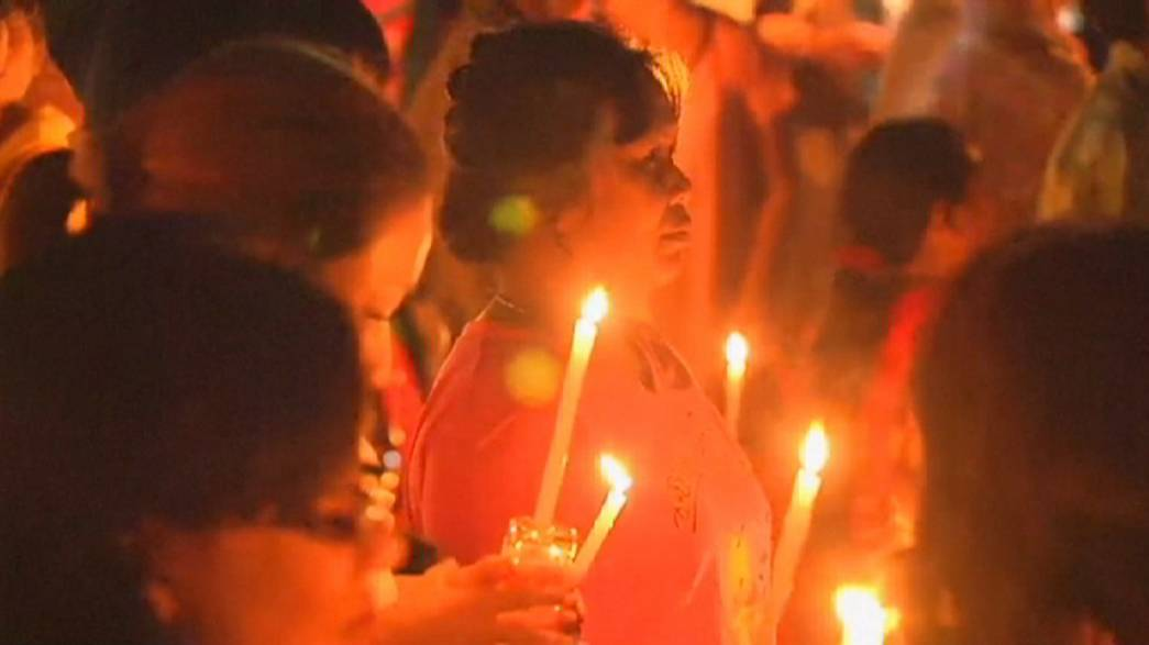 Vítimas de tsunami de 2004 no sudeste asiático homenageadas