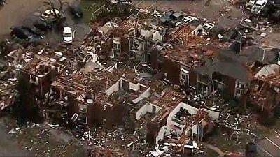 EUA: 20 pessoas morrem devido à passagem de tornados
