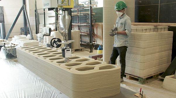 Image: A 3D Printer creates concrete