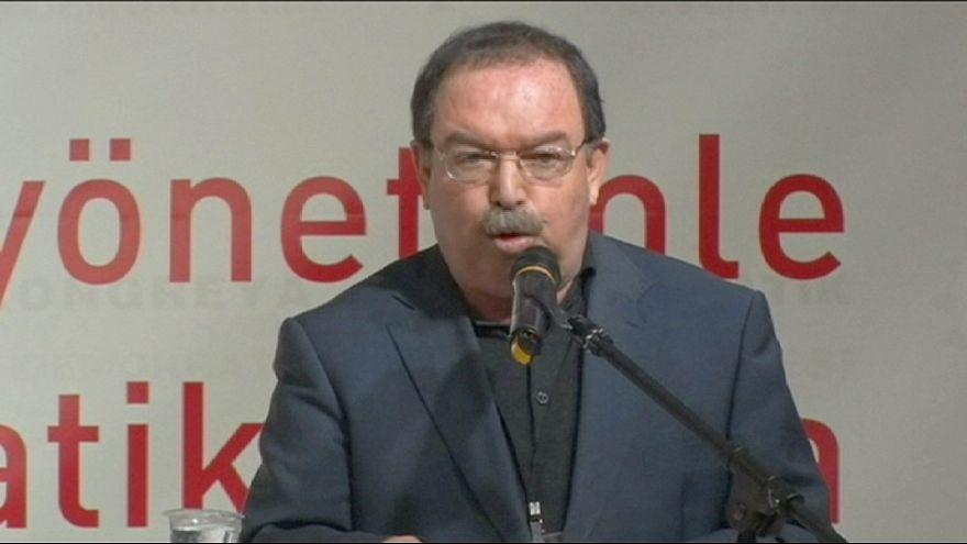 Curdos da Turquia apelam à autodeterminação