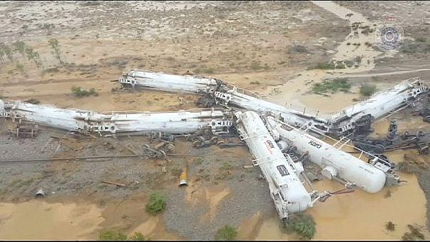 Sulphuric acid spills as freight train derails in Australia