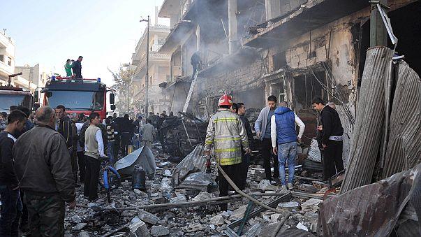 عشرات القتلى والجرحى في تفجيرين انتحاريين بحي الزهراء في حمص