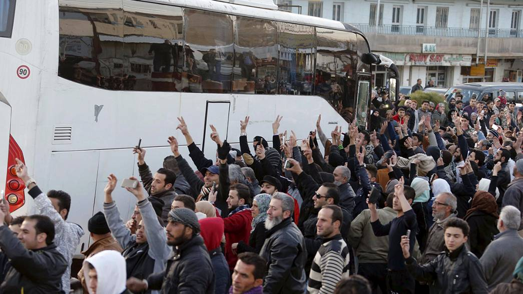 Évacuation de rebelles anti-Assad en échange de l'évacuation de combattants favorables au régime syrien