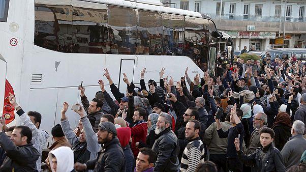 Evacuados a Líbano y Turquía los rebeldes sirios que estaban cercados