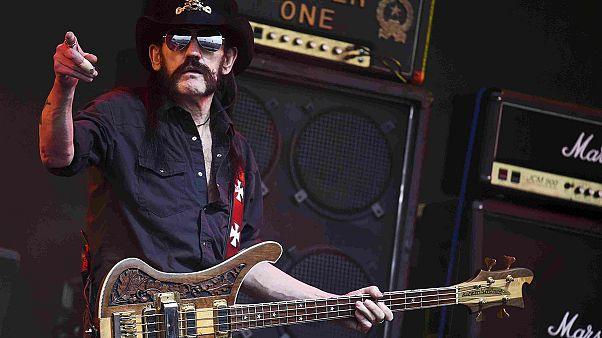 Motörhead'in kurucusu 'Lemmy' kanser teşhisi konulduktan iki gün sonra öldü
