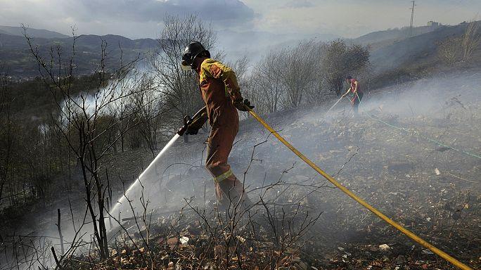 موجة من الحرائق تجتاح غابات إسبانية في فصل الشتاء