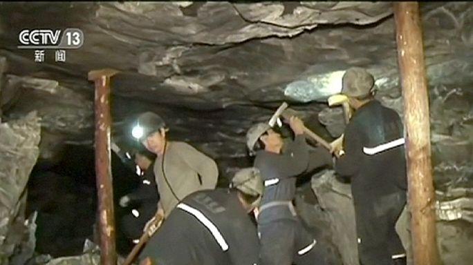 سبعة عشر عاملا عالقين داخل منجم منهار شرق الصين