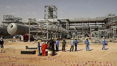 Petrolio: crollo dei prezzi mette in difficoltà Arabia Saudita