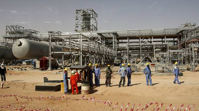 Saudis brace for 'prolonged period' of low oil prices