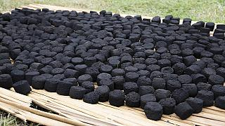 Produire du charbon sans fumée