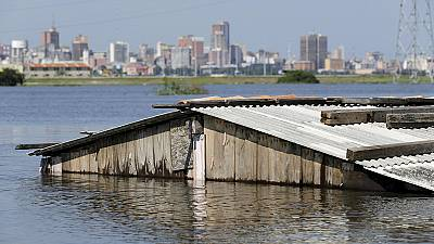 Americas: thousands evacuated, as El Nino triggers worst flooding in decades
