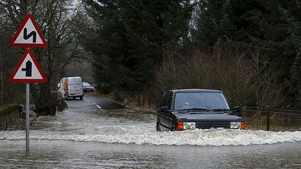 Британия: Новый год под водой
