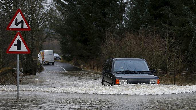 Le Royaume-Uni finit l'année sous les eaux