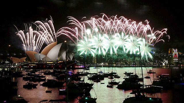 عواصم كبرى تحتفل بحلول العام 2016