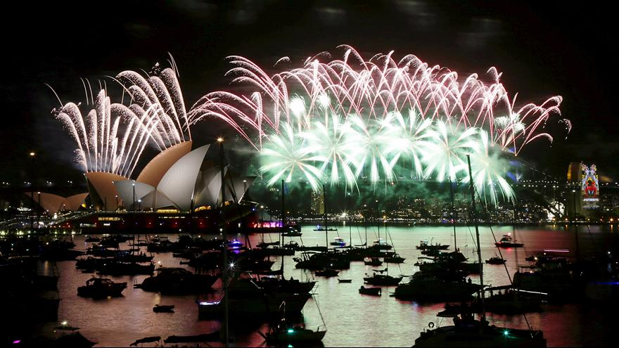 Los fuegos artificiales han inundado el cielo en el nuevo año