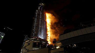 Dubaï : la tour d'un hôtel s'enflamme
