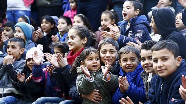 أزمة اللاجئين تطغى على تهاني ميركل بمناسبة العام الجديد
