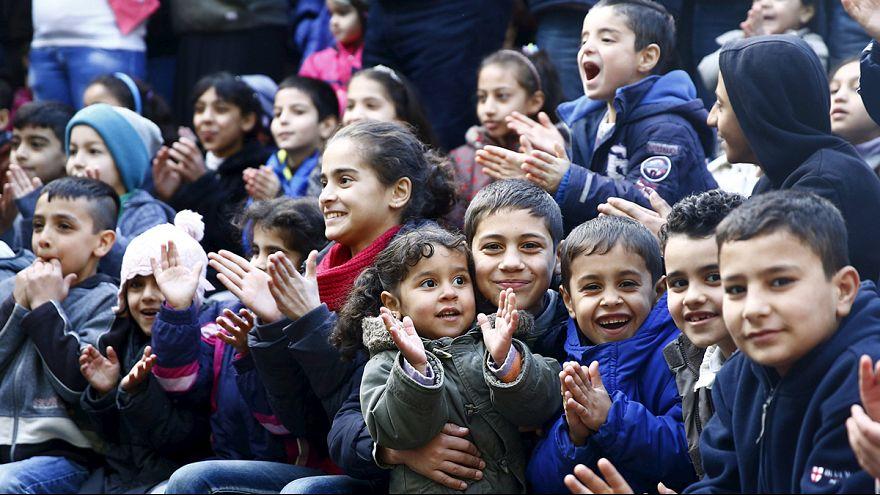 Refugiados: Merkel apela à solidariedade dos alemães
