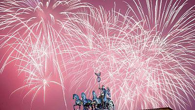 Fireworks and festivities usher in 2016 around the globe