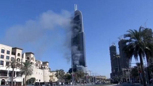 Espectacular incendio en Dubái el día de Nochevieja
