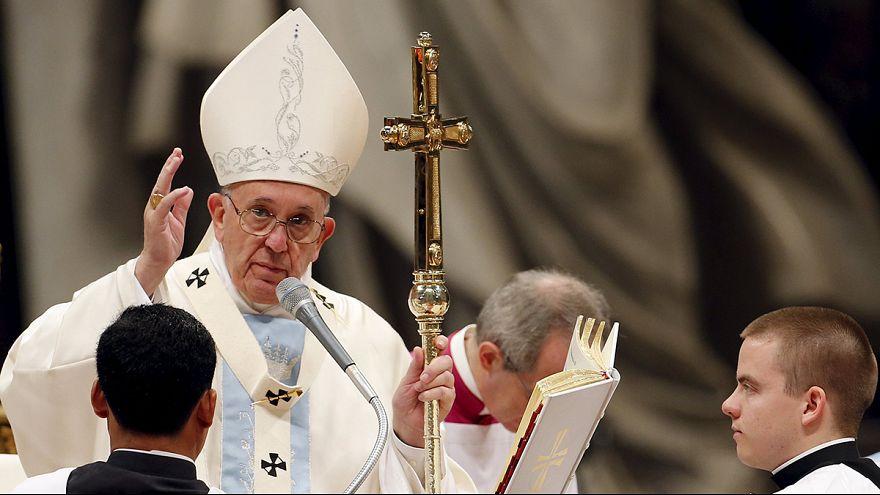 Papa Francesco invita alla solidarietà