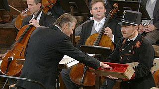 ماريس يانسونز يحيي أشهر حفل للموسيقى الكلاسيكية في فيينا