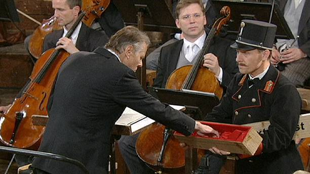 Mariss Jansons conducted the annual New Year gala concert from Vienna.
