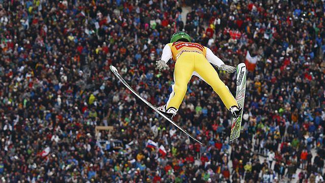 السلوفيني بيتر بريفيك يفوز ببطولة غارميش للقفز على الثلج بألمانيا