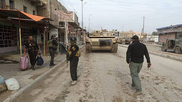ISIL forces civilians to act as human shields as the battle for Ramadi rages