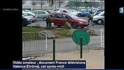 Frankreich: Autofahrer rammt Wachsoldaten vor Moschee
