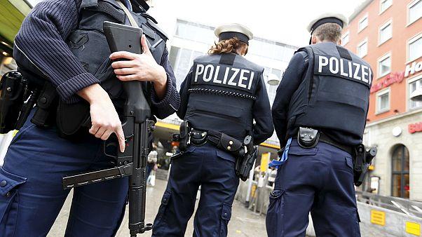 Alman polisi Münih'te kuş uçurtmadı