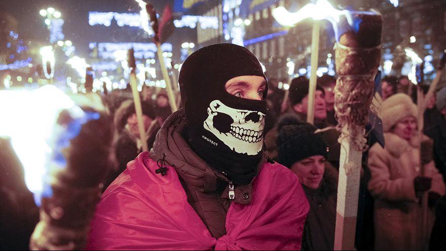 Украина: факельное шествие в честь Степана Бандеры
