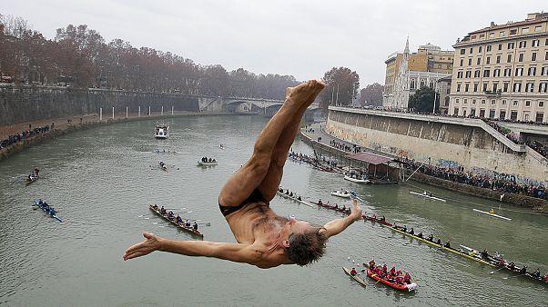 Tirándose de un puente para empezar el 2016
