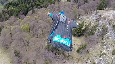Rasant und risikoreich: Im Flügelanzug durch die Lüfte