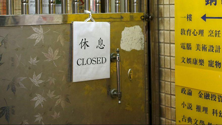 Protesta en Hong Kong por la desaparición de cinco libreros críticos con Pekín