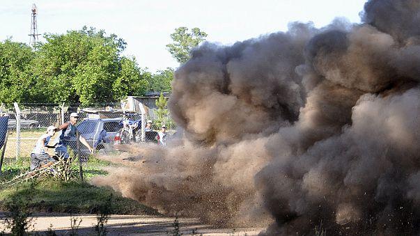 رالي دكارفي الأرجنتين يتعثر بسبب حادث سيارة و سوء الأحوال الجوية