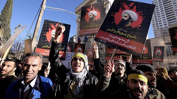 احتجاجات شعبية على إعدام نمر النمر ودعوات أوروبية للتهدئة بين طهران والرياض