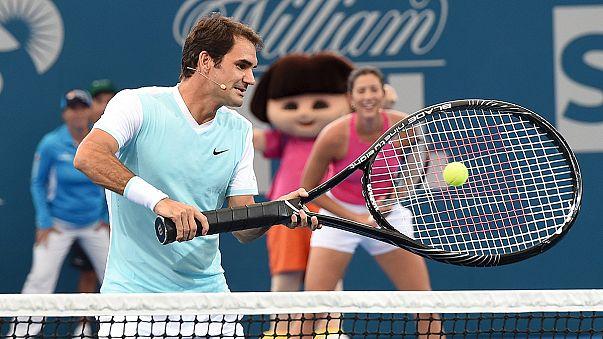 Roger Federer se relaja antes del primer torneo del año