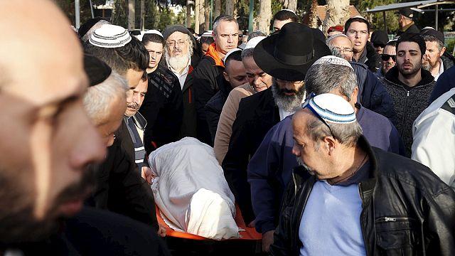 تشييع جنازة ضحيتي الإعتداء المسلّح بتل أبيب