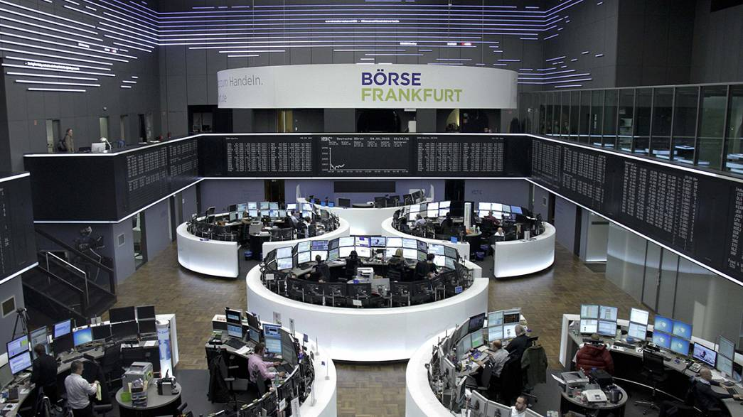 Volatile New Year markets: European shares plunge after slump of Chinese stocks