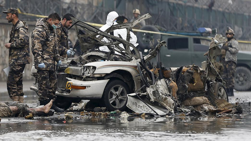 Afghanistan: Suicide bomber strikes near Kabul airport