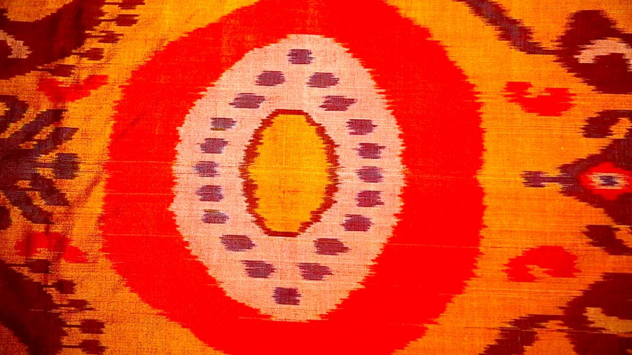 Ancient silk techniques kept alive in Margilan