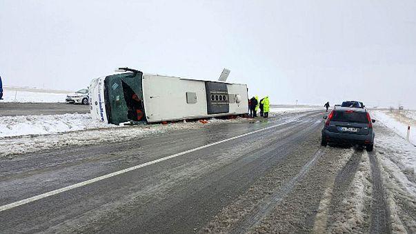 Deadly bus crash in snow-hit Turkey