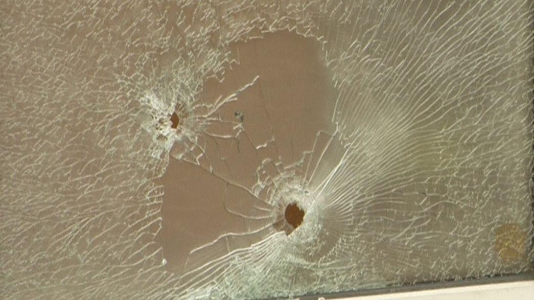 Refugiados: Disparos contra abrigo provoca um ferido