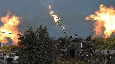 Israel bombardeia aldeias no Líbano depois de ataque do Hezbollah