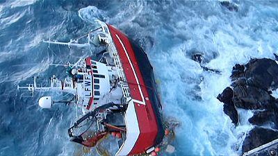 Noruega: Salvamento dramático de pescadores de arrastão