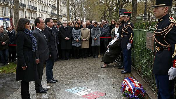В Париже открыты мемориальные доски в память о жертвах январских терактов 2015 года